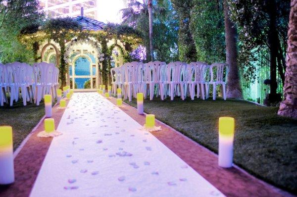 Walk On The Wild Side 8 Vegas Wedding Venues For Animal What People A Secret Garden Las
