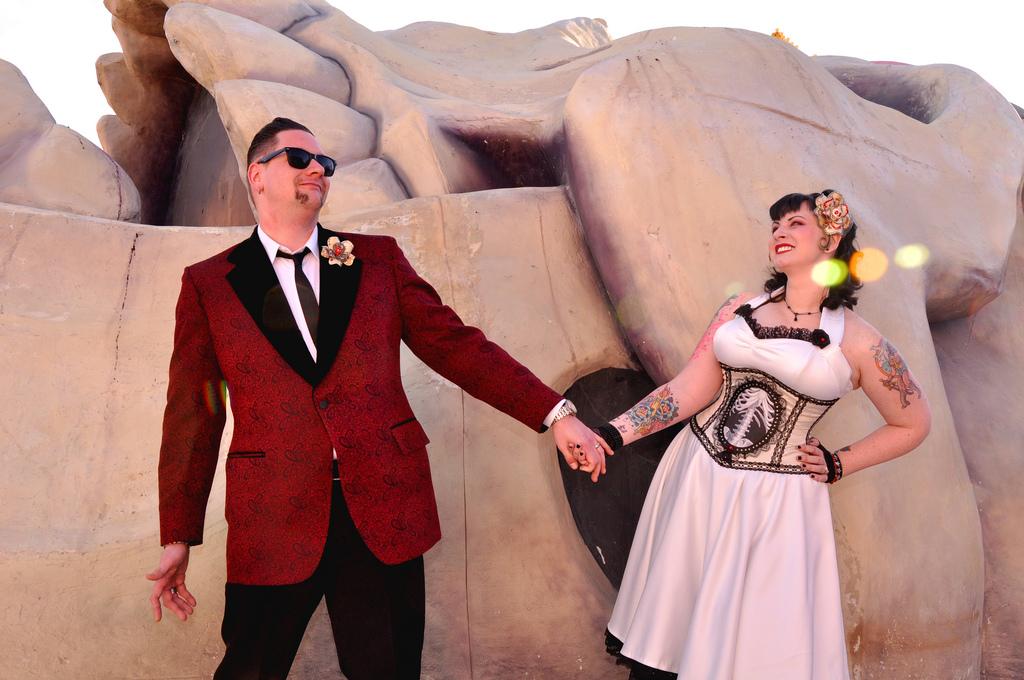 Retro Day of the Dead Wedding at Viva Las Vegas Wedding Chapel ...