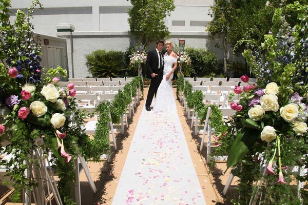 Mirage St Croix Patio | Little Vegas Wedding Venue Guide