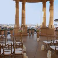 Venetian Palazzo Rotunda