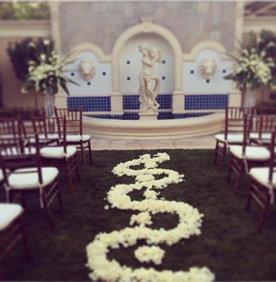 Mirage Villa Wedding | Little Vegas Wedding Venue Guide