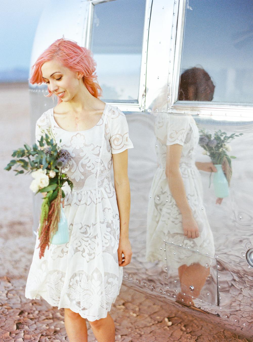 Ultimate Vegas Wedding Venue Guide: Retro Pop Up Weddings with Flora ...
