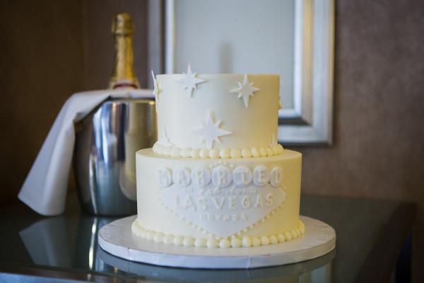 All White Vegas Wedding Cake | Little Vegas Wedding