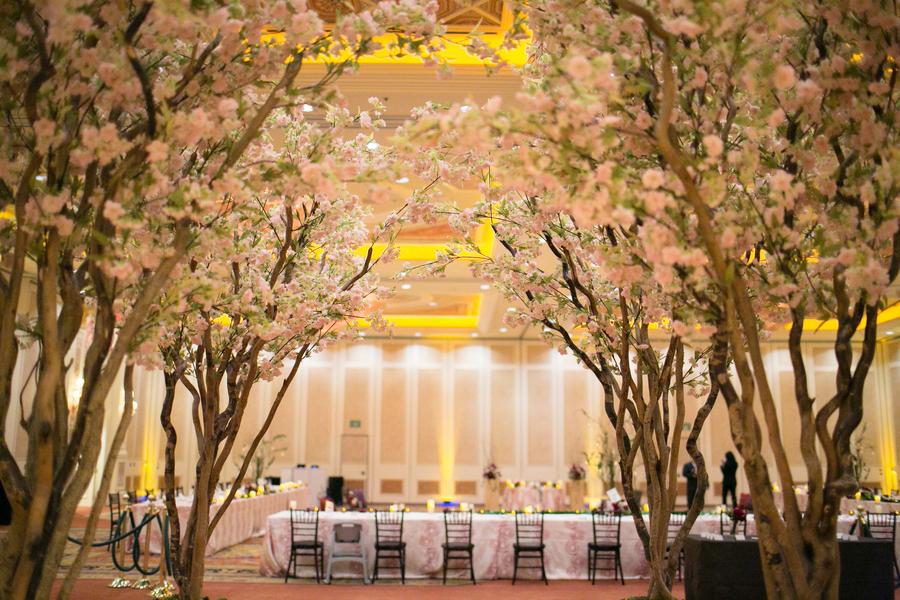 Real Enchanted Garden Wedding Kelly Steve: Garden-inspired Vow Renewal At Venetian